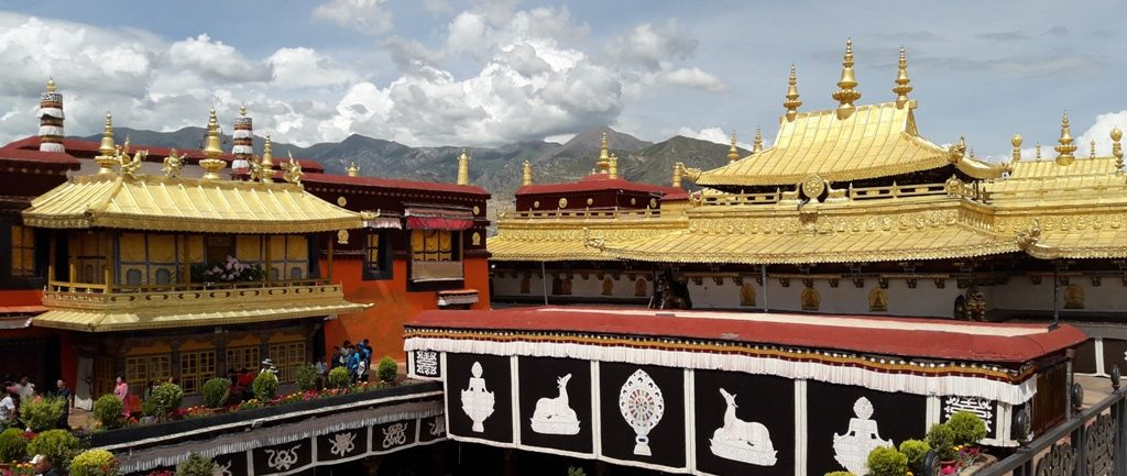 tibet-tour-5-days-jokhang-temple